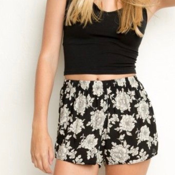 bfe64b2e698 Brandy Melville Pants - Brandy Melville remi high waisted shorts floral